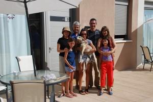 (izq) Familia Canales Exanobe y Familia Irizar (dcha)